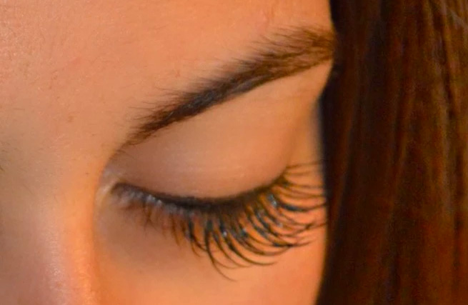 Book your first Full Set and get a FREE Eyebrow or Upper Lip Wax (or Professional Removal)